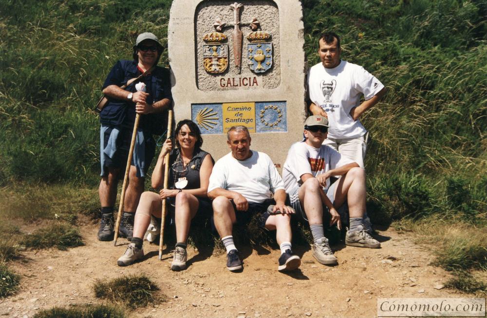 Entrada en Galicia. Senan, Ana, Gabriel, Carlos y yo