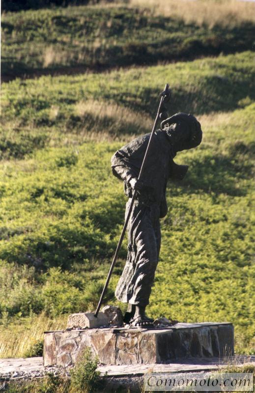 Monumento al Peregrino.Alto del Poio